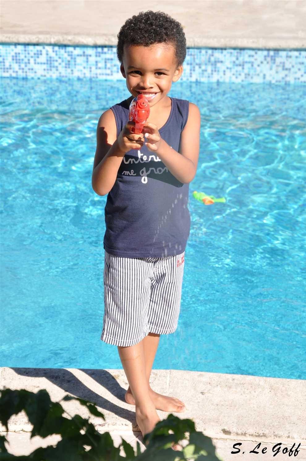 Garcon piscine