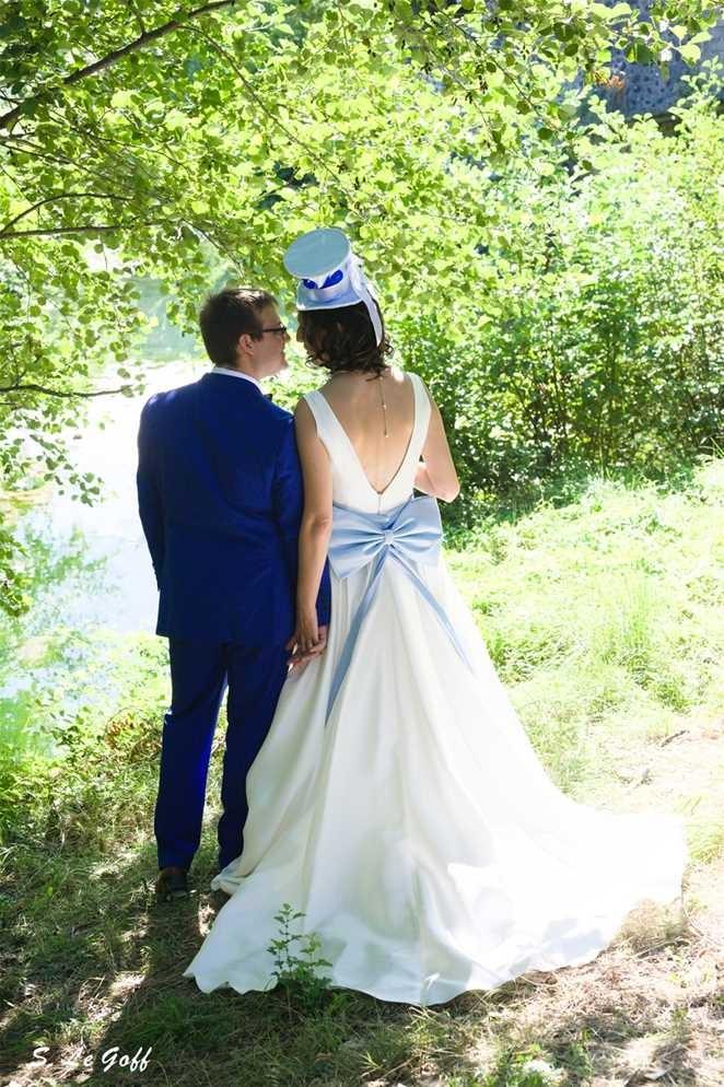 Couple de mariés à Lussas